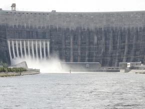 Акции РусГидро, которой принадлежит Саяно-Шушенская ГЭС, рухнули сразу после начала торгов
