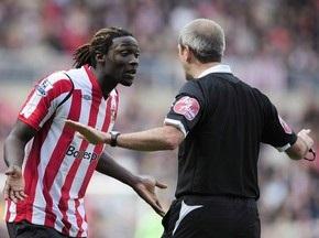 В Англии запретили критиковать футбольных арбитров