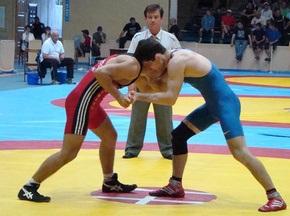 В Черкассах прошел отбор борцов на Чемпионат мира
