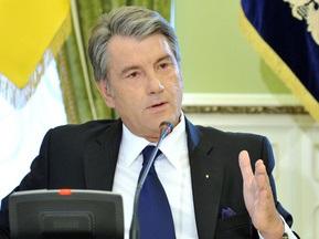Ющенко поздравил Владимира Кличко с победой над Чагаевым