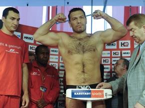 Фотогалерея: Кличко - Чагаев: Вес взят