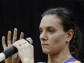 Олена Ісінбаєва починає сезон з перемоги