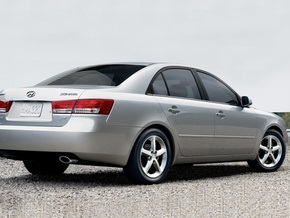 Hyundai отзывает более 90 тыс седанов