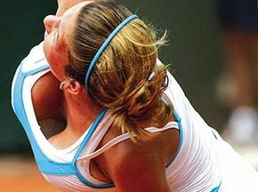 Румынской теннисистке мешает играть грудь