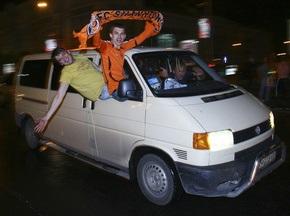 Донецьк усю ніч святкував історичну перемогу Шахтаря