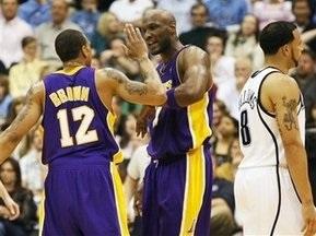 NBA: Лейкерс и Даллас приблизились к выходу в следующий этап