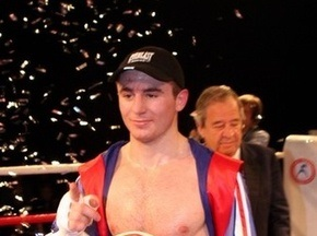 Бокс: Байсангуров побил Хуцишвили за один раунд