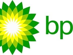 BP сократит переработку нефти