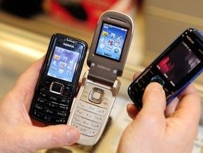 Продажи телефонов Nokia упали на треть