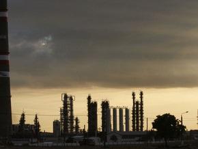 Дело: Коломойский требует разрешения на выпуск низкокачественного бензина