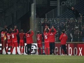 Фанат голландського клубу засуджений до року ув'язнення за напад на французький поліцейського