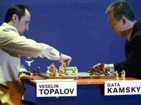 Шахматы: Топалов и Камский дебютировали миром
