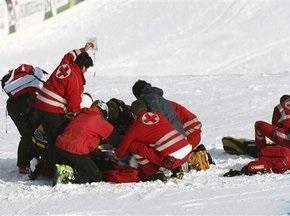 Пострадавшего горнолыжника из Швейцарии ввели в искусственную кому