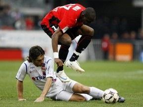 Французская Лига 1: Ренн и Марсель сокращают отставание от Лиона