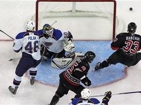 NHL: Ураганы проиграли, несмотря на шайбу Бабчука