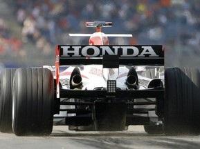 Honda розгляне 12 пропозицій з продажу команди