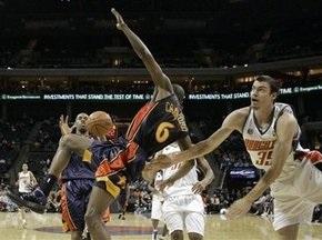 NBA: 50 очков Кроуфорда помогли Уорриорз обыграть Шарлотт