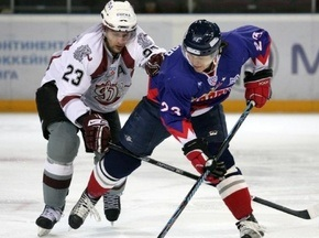Молодих хокеїстів КХЛ усунуть від хокею