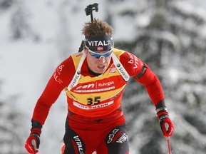 Биатлон: Норвежец выиграл гонку преследования в Хохфильцене