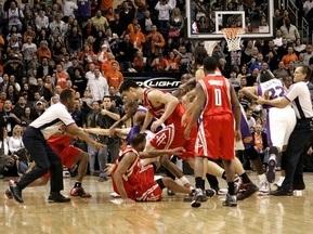 Зірки NBA побилися на паркеті (Фото)