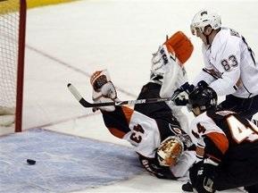 NHL: Нефтяники прерывают победный полет Летчиков