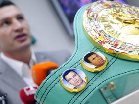 Фотогалерея: Виталий Кличко вернулся в Киев