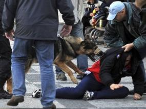 Чешcкая полиция избила футбольных фанатов
