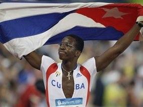 Біг з бар єрами: Кубинець здобуває золото