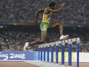 Бег с барьерами: Мелани Уолкер взяла золото