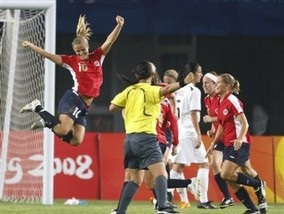 Олимпиада-2008: Норвежские футболистки забронировали путевку в 1/4 финала