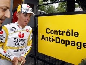 Одного з фаворитів Тур де Франс піймали на вживанні допінгу