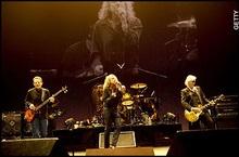 Led Zeppelin возз єдналися: продажі альбомів зросли на 500%