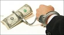 Банки пропонують не випускати боржників з України