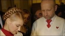 Турчинов запевняє, що Тимошенко не забракне голосів