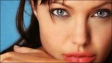 Анджеліна Джолі очолила топ-100 найсексуальніших кінозірок