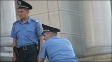 Чоловік просить у міліції порятунку від власної дружини