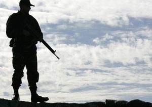 Турция увеличивает количество танков и истребителей на границе с Сирией