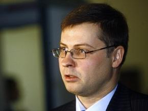 Премьер Латвии считает, что опасность банкротства страны миновала