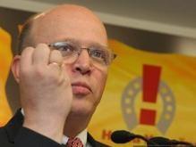 НУ-НС намерен законодательно запретить коммунистическую и нацистскую символику