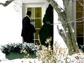 Обама попытался войти в Белый дом через окно