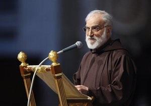 Проповедник Папы сравнил критику в адрес церкви с  коллективным насилием  в отношении евреев