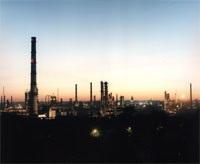 На Московском НПЗ произошел аварийный выброс газа