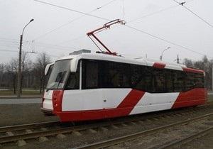 В донецких троллейбусах и трамваях начали объявлять остановки на английском языке