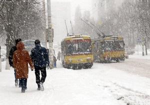 СМИ: Киевский общественный транспорт не готов к снегопадам