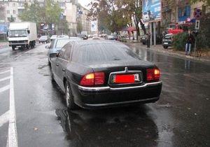 СМИ: В Одессе сотрудник Кабмина на Lincoln устроил ДТП