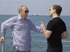 Советник Медведева: Путин рискует стать новым Брежневым