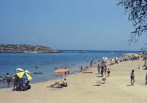 Moody s понизило рейтинг Кипра на две ступени