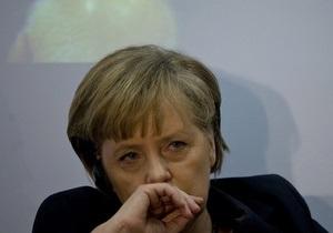 СМИ: Меркель рассматривает возможность бойкота Евро-2012 из-за дела Тимошенко