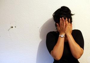Жертвы семейного насилия в России ищут защиты - Reuters