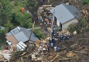 На юг Японии обрушились ливневые дожди: есть жертвы